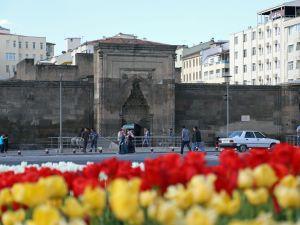 UNESCO'nun listesine giren medreseler hala hizmet veriyor