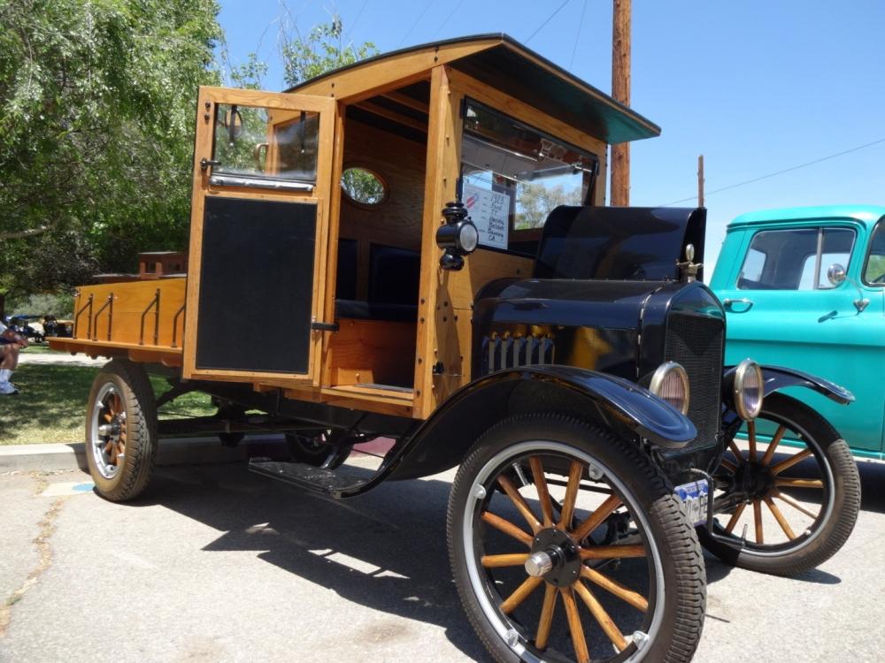 Birbirinden güzel antika arabalar 22