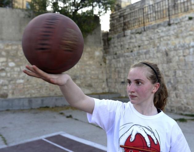 Kudüs'ün basketbolcu kızları 12