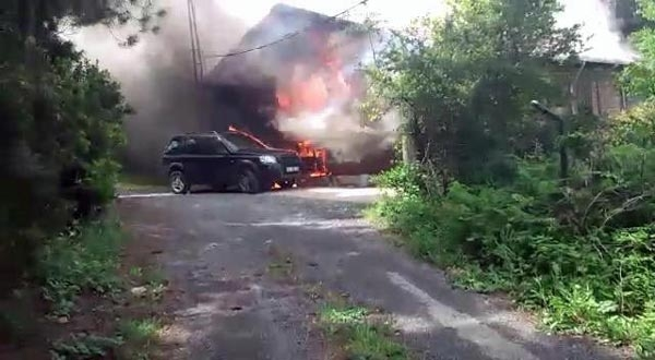 Ünlü yapımcı yangında hayatını kaybetti 11