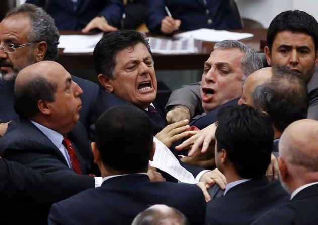 Meclis'te fotoğraf gerginliği 10