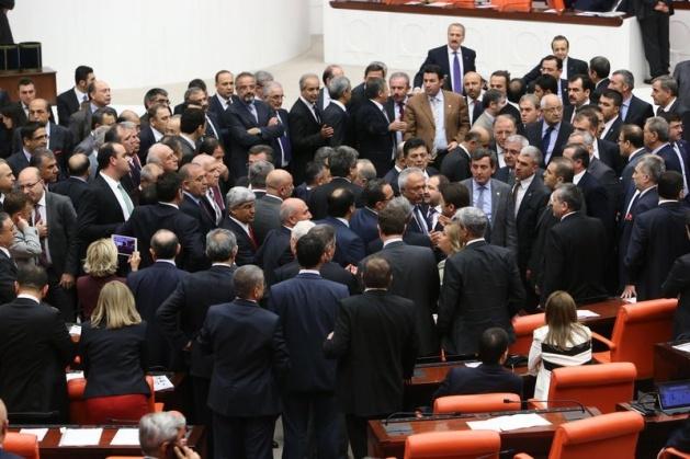 Meclis'te fotoğraf gerginliği 13