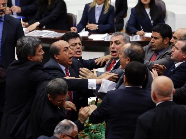 Meclis'te fotoğraf gerginliği 20