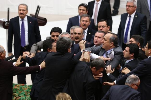 Meclis'te fotoğraf gerginliği 21