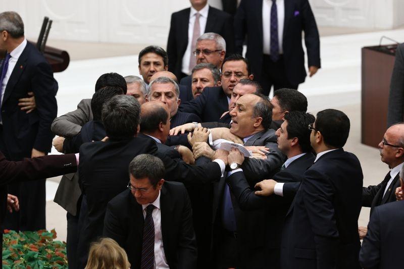 Meclis'te fotoğraf gerginliği 23