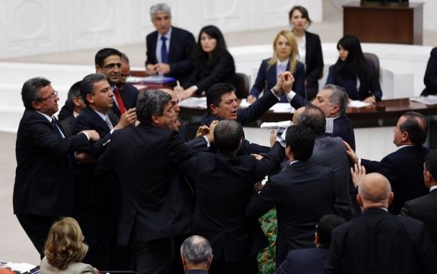 Meclis'te fotoğraf gerginliği 25
