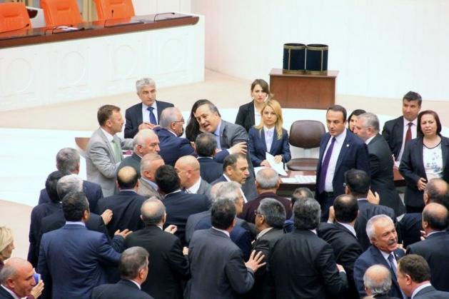 Meclis'te fotoğraf gerginliği 26