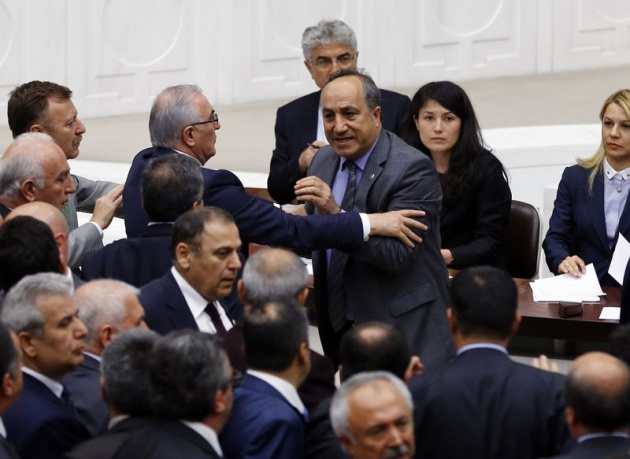 Meclis'te fotoğraf gerginliği 35