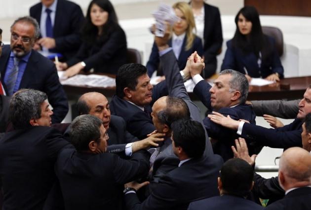 Meclis'te fotoğraf gerginliği 37