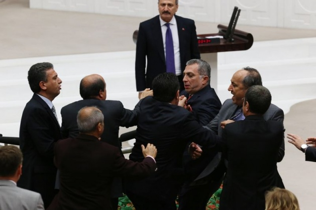 Meclis'te fotoğraf gerginliği 42