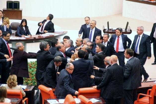 Meclis'te fotoğraf gerginliği 8