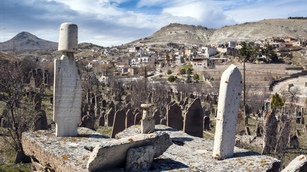 Tarihi Mezar Taşları Kültürel Zenginliğin İzlerini Taşıyor 1