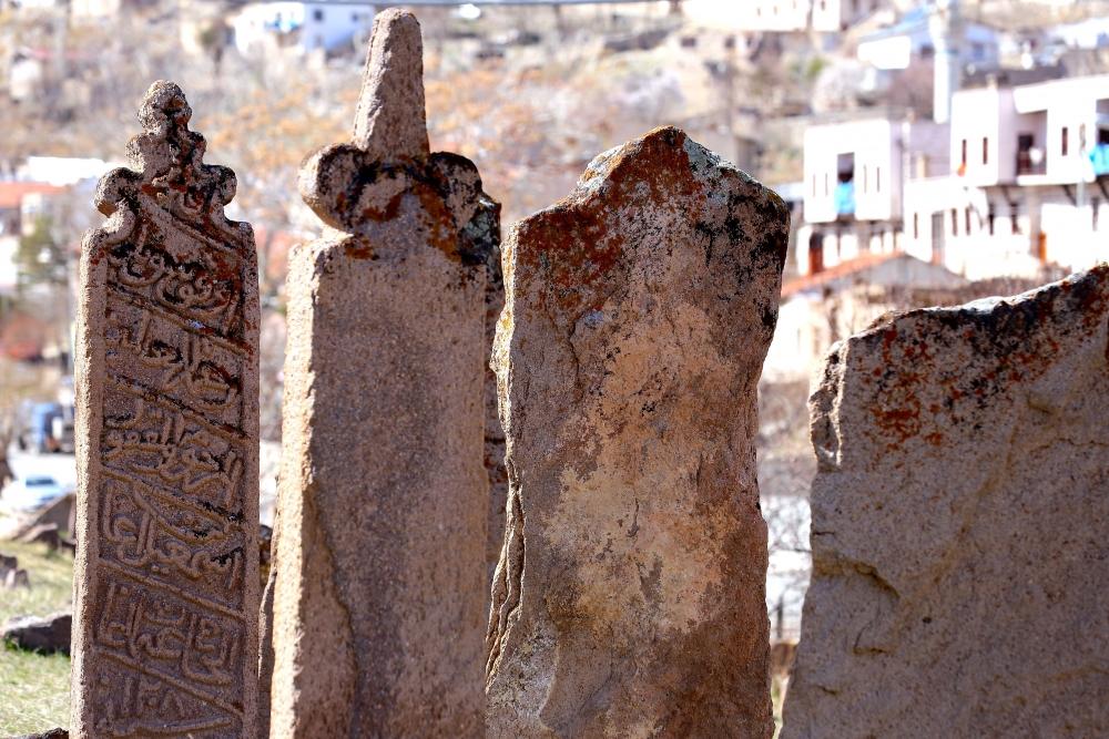 Tarihi Mezar Taşları Kültürel Zenginliğin İzlerini Taşıyor 10