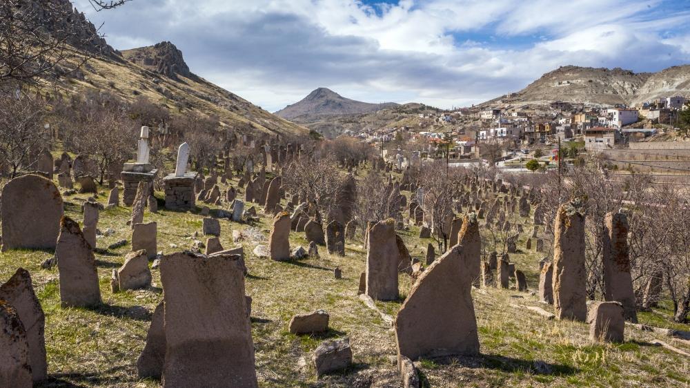 Tarihi Mezar Taşları Kültürel Zenginliğin İzlerini Taşıyor 3