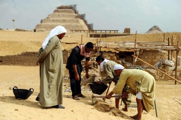 Mısır'da 3100 yıllık mezar bulundu 10