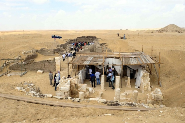 Mısır'da 3100 yıllık mezar bulundu 13