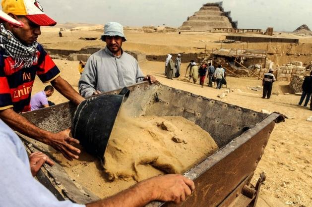 Mısır'da 3100 yıllık mezar bulundu 15