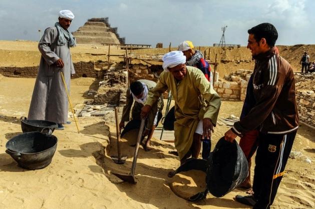 Mısır'da 3100 yıllık mezar bulundu 17