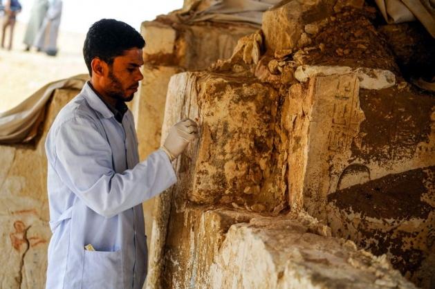 Mısır'da 3100 yıllık mezar bulundu 3