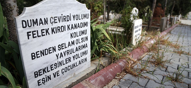 Mezar taşlarındaki ilginç yazılar 2