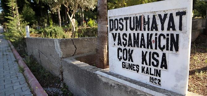 Mezar taşlarındaki ilginç yazılar 3