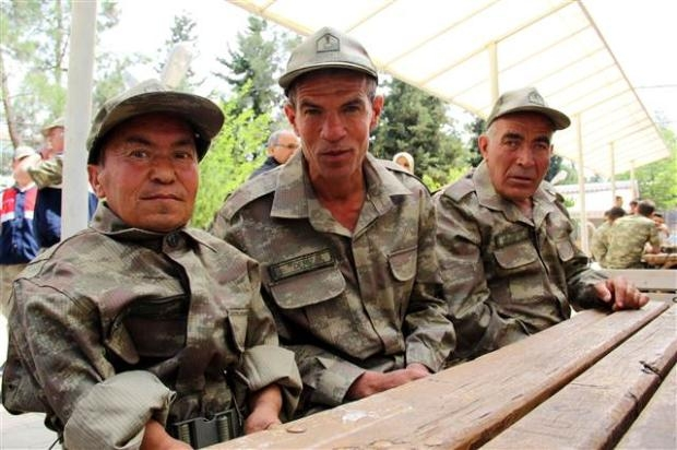 Çakı gibi asker oldular 32