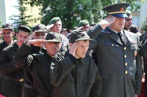 Çakı gibi asker oldular 63