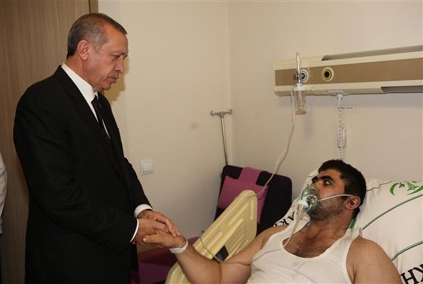 Başbakan yaralıları hastanede ziyaret etti 2