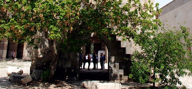 Anadolu'nun en büyük kervansarayına yoğun ilgi 3