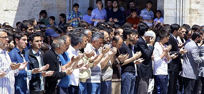 Sultan Selim'de gıyabi cenaze namazı 2