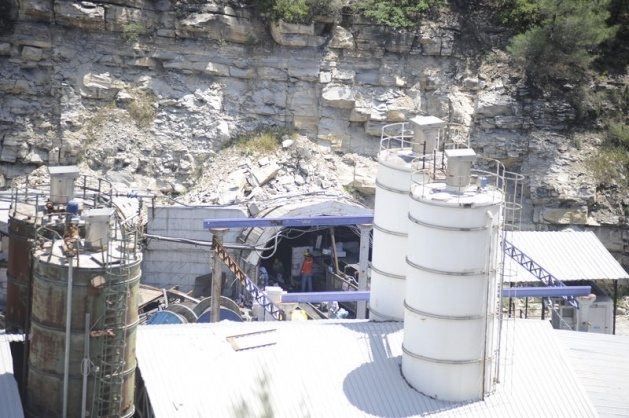Soma maden ocağının ağzına tuğla örülüyor 2