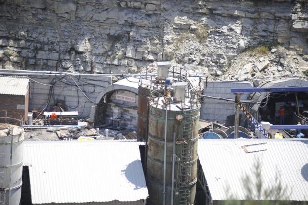 Soma maden ocağının ağzına tuğla örülüyor 3