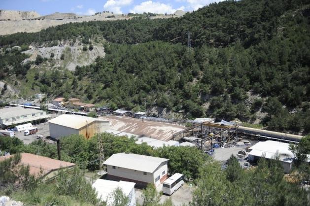 Soma maden ocağının ağzına tuğla örülüyor 4