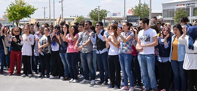 Öğrenciler bıçaklı kavgayı protesto etti 1