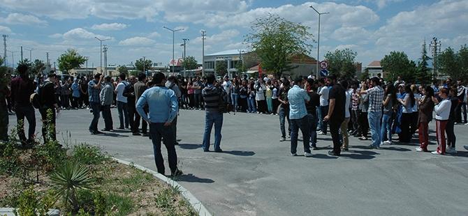 Öğrenciler bıçaklı kavgayı protesto etti 2