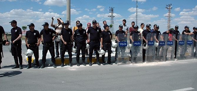 Öğrenciler bıçaklı kavgayı protesto etti 5