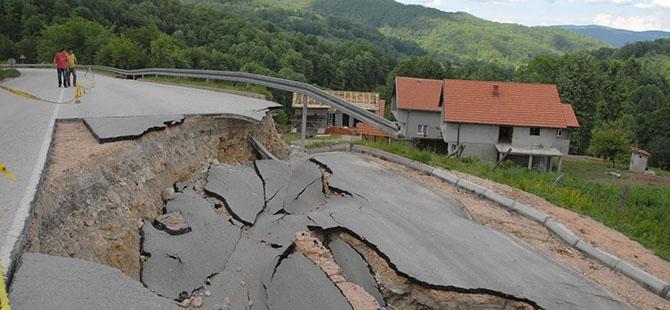 Bosna ve Sırbistan'da sel felaketi 10
