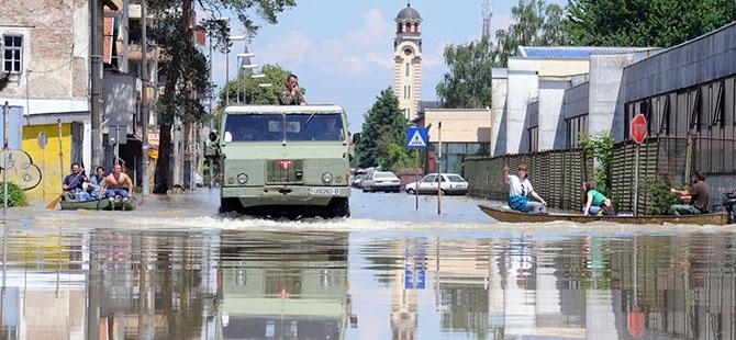 Bosna ve Sırbistan'da sel felaketi 3