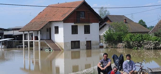 Bosna ve Sırbistan'da sel felaketi 4
