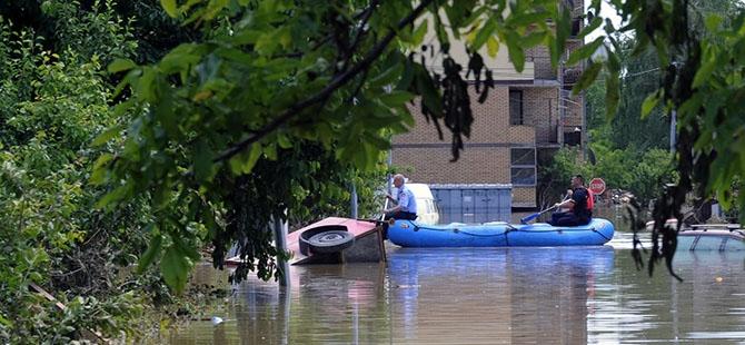 Bosna ve Sırbistan'da sel felaketi 7