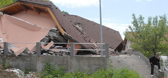 Bosna ve Sırbistan'da sel felaketi 9