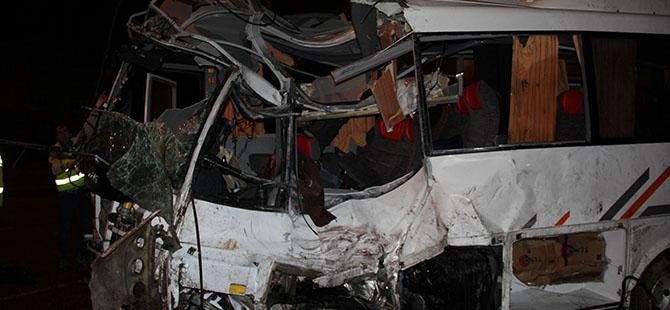 Katliam gibi kaza: 4 ölü, 16 yaralı 15