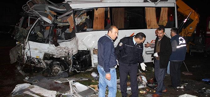 Katliam gibi kaza: 4 ölü, 16 yaralı 3