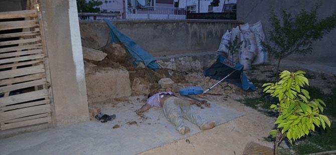 Kerpiç ev yıkıldı: 1 ölü 5