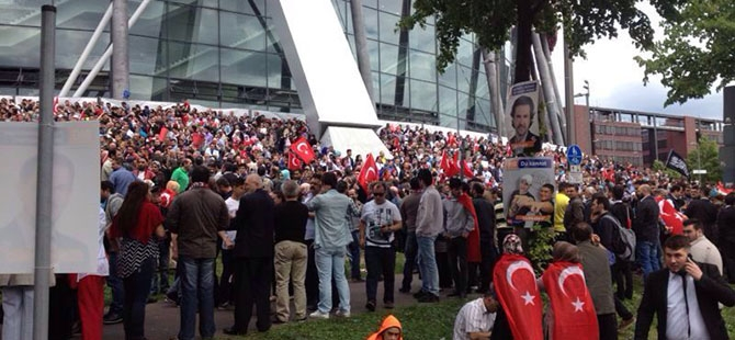 Erdoğan'ın mitingi öncesi Köln 19