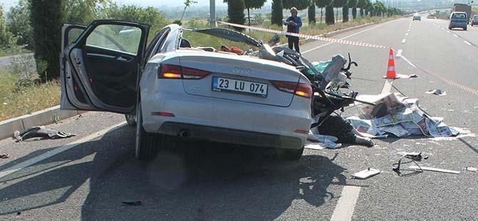 Elazığ'da trafik kazası: 2 ölü 10