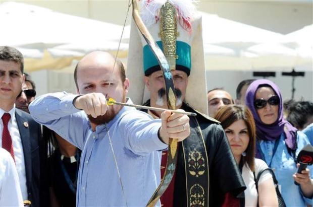 Bilal Erdoğan ok attı 1
