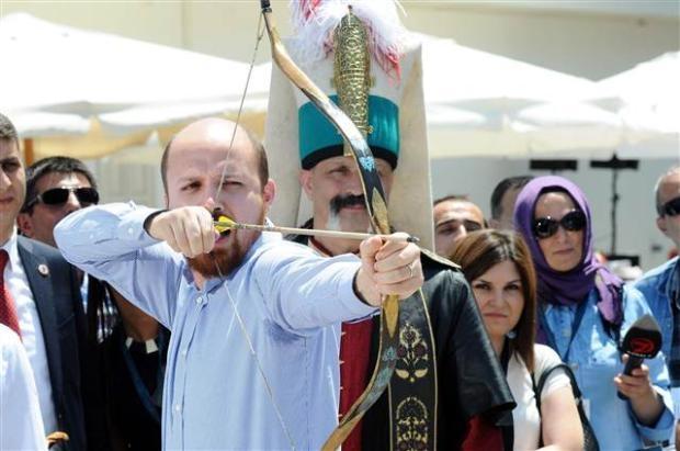 Bilal Erdoğan ok attı 11