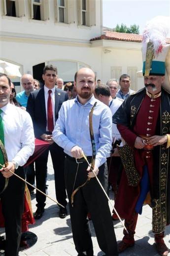 Bilal Erdoğan ok attı 22