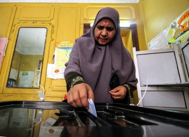 Mısır halkı seçimlere ilgisiz kaldı 16
